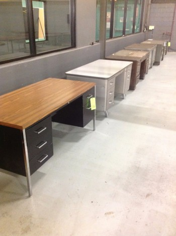 Lot w/ (6) Metal Desks