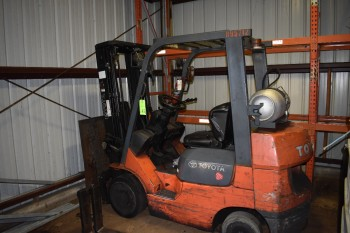 4500 lbs Toyoda Propane Fork LIft with side shift
