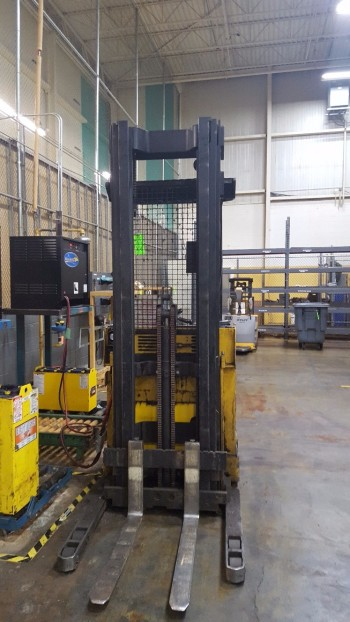 Yale 1800 lbs  Electric Fork lift
