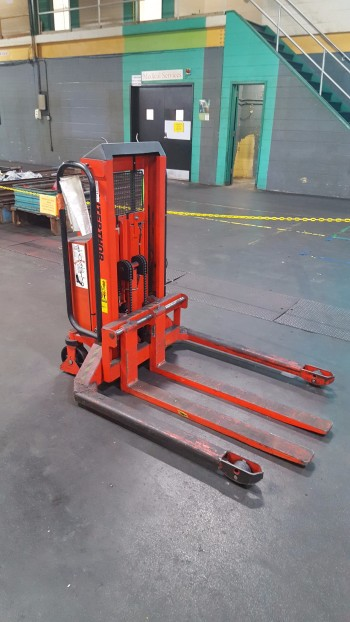 Inter-Thor Electric Lift, 2200lb cap.