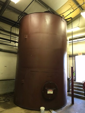 Bulk oil storage tanks,(4) available