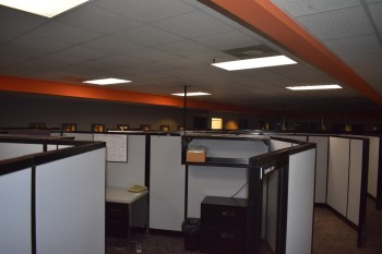 Office Cubicle sections, Approx. 491 linear ft. w/ overhead cabinets