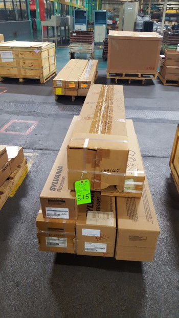 (6) boxes of 4\' fluorescent tubes