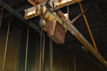 Yale 1/2 Ton pendant Chain Hoist, Located in Heat Treat room