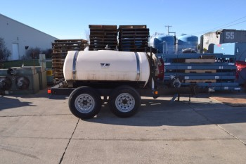 TRAILER WITH WYLE SPRAYER