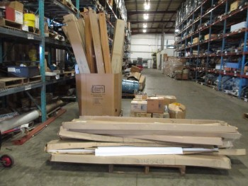 3 PALLETS OF LIGHT FIXTURES AND BULBS