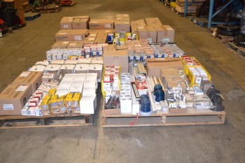 6 PALLETS OF ASSORTED LIGHTING, GE, PHILLIPS, SYLVANIA
