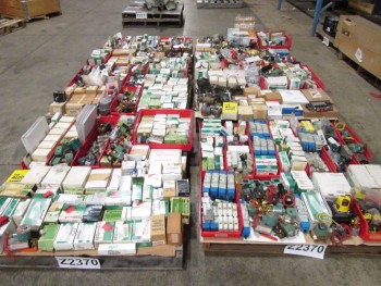 6 PALLETS OF ASSORTED VALVES AND VALVE REPLACEMENT PARTS