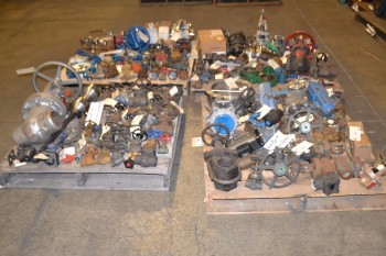 4 PALLETS OF ASSORTED VALVES 1/2\