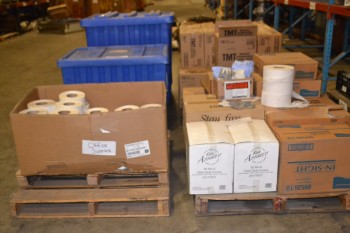 LOT OF ASSORTED SANITARY SUPPLIES