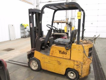 YALE FORKLIFT MODEL# GC-030-UAT-077-P-GS