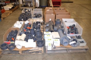 4 PALLETS OF ASSORTED PVC CONDUIT FITTINGS 1/2\