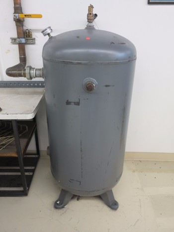 METAL AIR STORAGE TANK