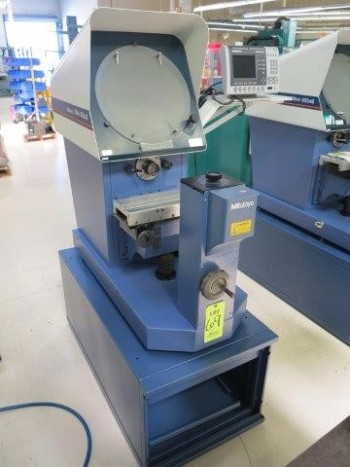 MITUTOYO OPTICAL COMPARATOR MODEL PH-A14, S/N 6J9014