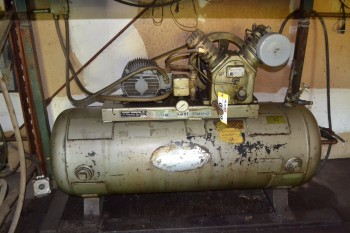 INGERSOLL-RAND TYPE 30 S30-5 AIR COMPRESSOR