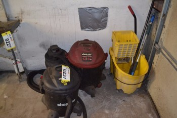 LOT OF JANITORIAL EQUIPMENT