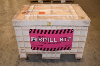 PIG HAZMAT SPILL KIT WITH CONTENTS