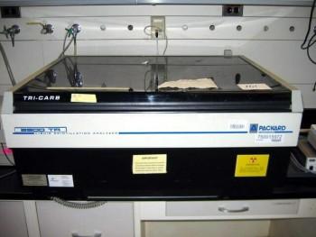 Packard TRI-CARB B2500TR Liquid Scintillation Analyzer