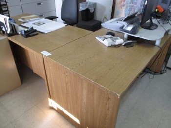 L Shape Desk No Contents