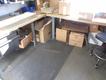 2 Workbenches No Contents