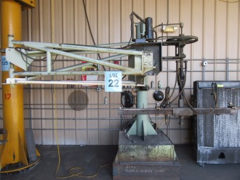 CIRCLE CUTTING UNIT WITH (2) GAUGES, BOOM AND CUTTING TABLE, APPROX. 5' X 8' FT