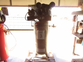 MAXUS 60 GALLON AIR COMPRESSOR, 5 HP, 140 PSI MAX, MODEL: EX840200AJ, (BACK BUILDING)