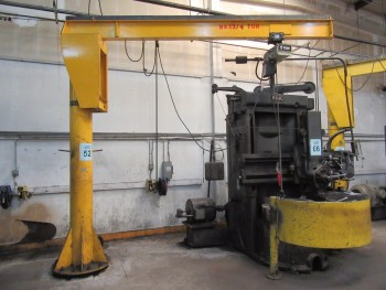 3/4 TON FLOOR MOUNTED JIB CRANE WITH COFFING 1 TON ELECTRIC CHAIN HOIST