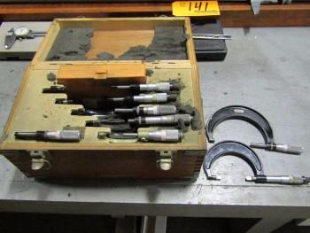 Starrett (8) Micrometers