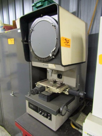 Mitutoyo PJ-300 Optical Comparator