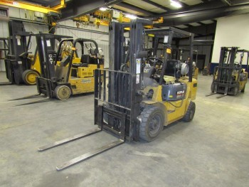 CAT GP25K Fork Lift