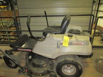 MTD Gold 50\'\' Zero Radius Lawn Tractor