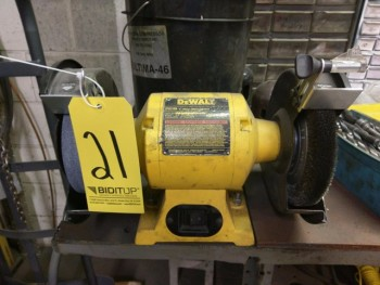 Dewalt 8\'\' Double End Bench Grinder