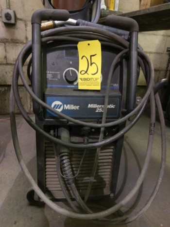 Miller Millermatic 252 Welder (No Tanks)