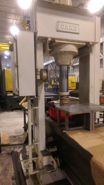 Dake 150 Ton Hydraulic Straightening Press