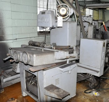 DoALL MODEL BD-2, 8IN x 24IN Hydraulic Automatic Surface Grinder,