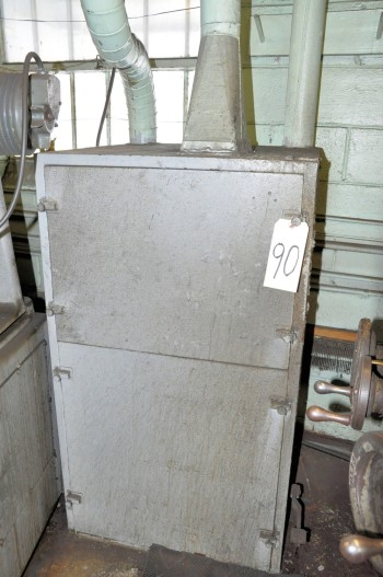 NO IDENTIFYING NAME 28IN x 28IN x 48IN-H Dust Collector