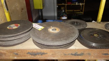 LOT OF ASSORTED GRINDING WHEELS, NORTON,WALTER, SAFEGUARD