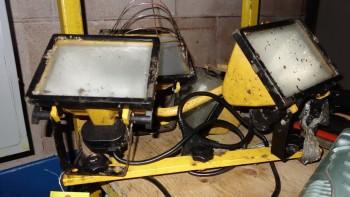 LOT OF 2 115V-AC DOCK LIGHTS