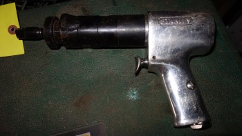 STANLEY PISTOL GRIP GREASE GUN