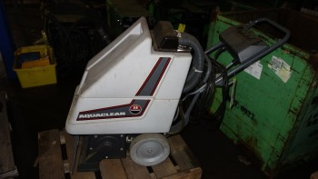 ADVANCE MACHINERY 264001 AQUACLEAN 120V-AC FLOOR SCRUBBER EXTRACTOR
