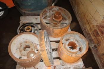 PALLET OF ASSORTED PULLEY SHEAVES, MARTIN, TB WOODS