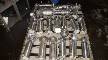 PALLET OF ASSORTED STAINLESS SANITARY BUTTERFLY VALVES, WAUKESHA,