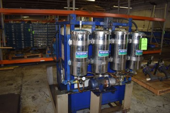 Main-Vac Fluid Maintenance Vaccumn w/ Plastic Tank & Metal Barrier