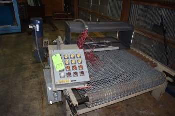 Motorized Pallet Conveyor w/ Steel mesh Belt 52\