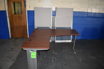 Office w/Table & Divider