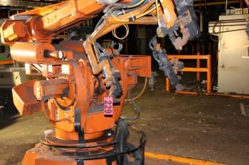 ABB robot free standing