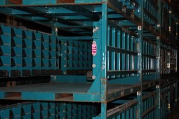12 Material racks