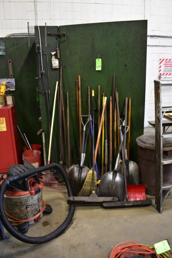 Lot of Cleaning Tools & Supplies