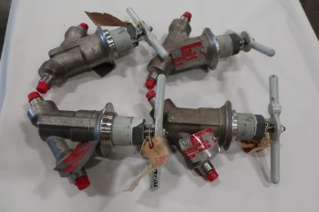LOT OF 4 3/8IN KEROTEST WPS-10810 ANGLE BODY GLOBE VALVE