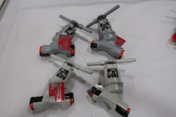 LOT OF 4 ASSORTED 1 IN KEROTEST GLOBE VALVE